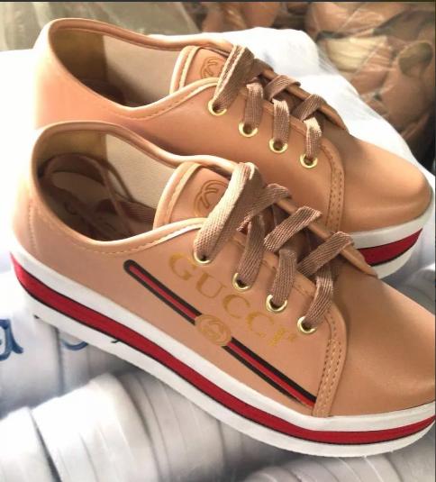 Início   Calçados   Sapatos Femininos   Tênis   Gucci   Tênis plataforma  Gucci Bege d1204e97f9